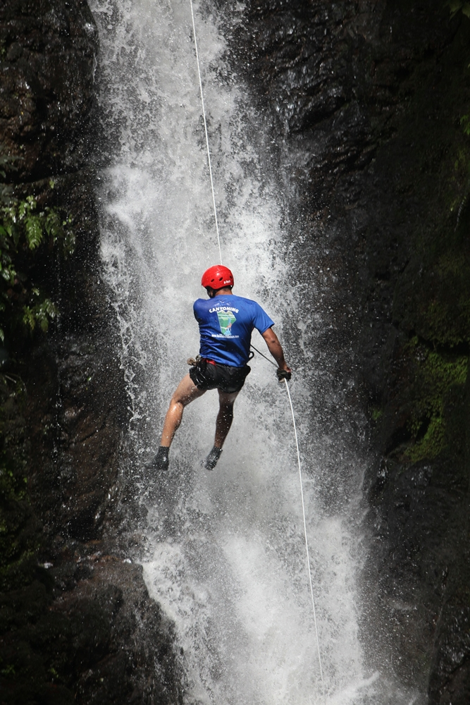Monteverde Waterfall Rappelling Tou