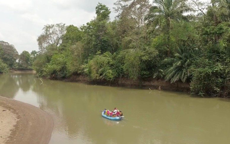 Family Boat Trip Arenal Volcano 5