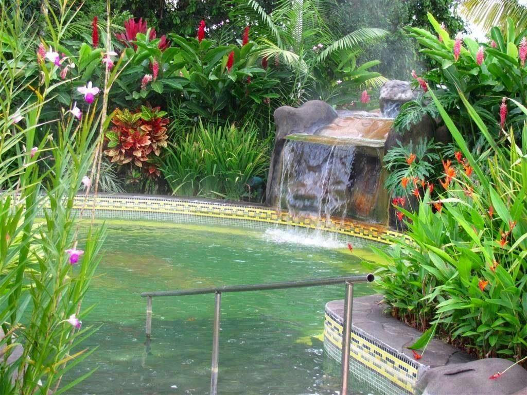hot springs near roncon de la vieja volcano costa rica
